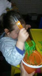 Sensory messy play_Worm hunt